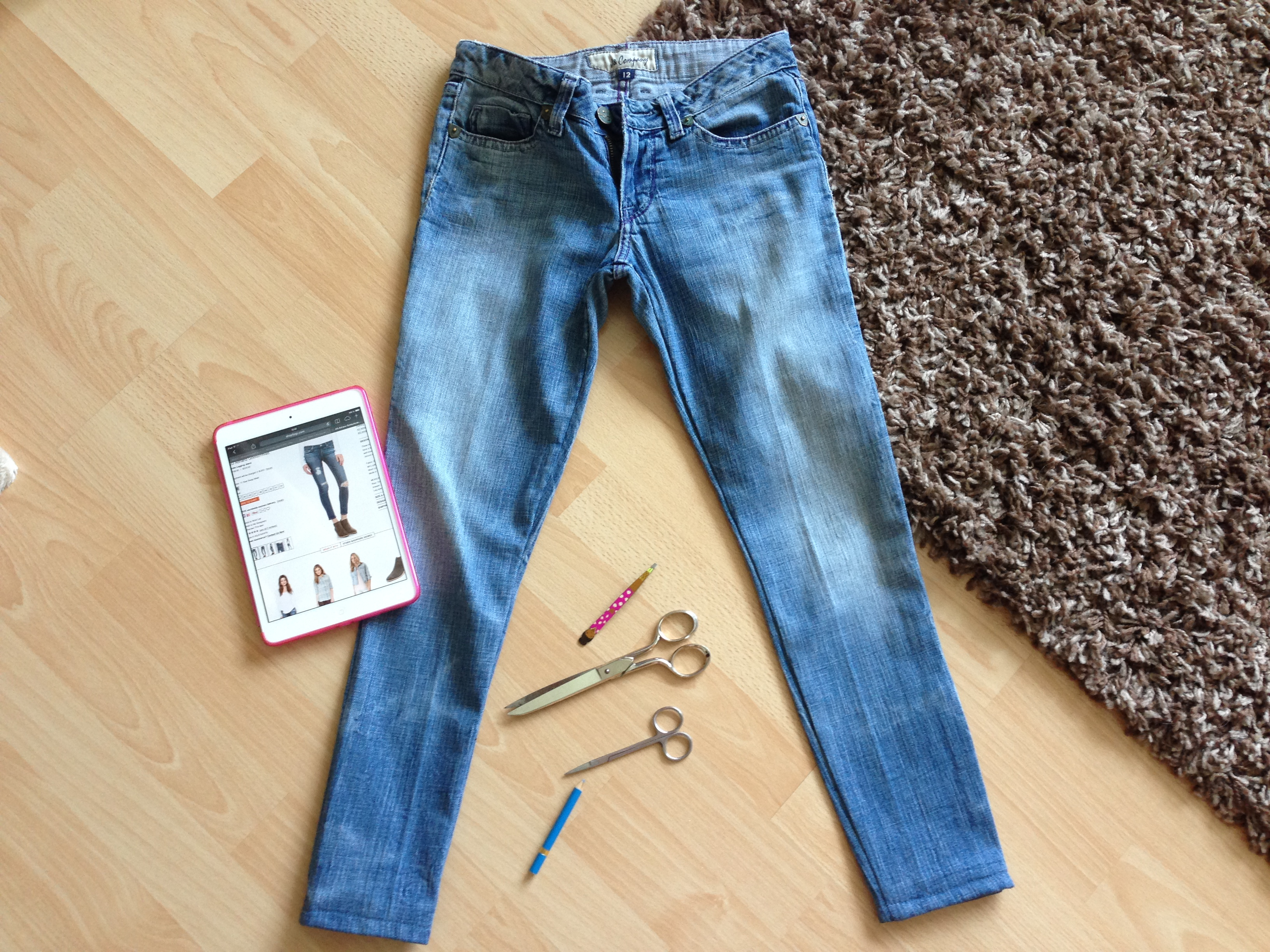 Diy ripped jeans diy ripped jeans solutioingenieria Gallery